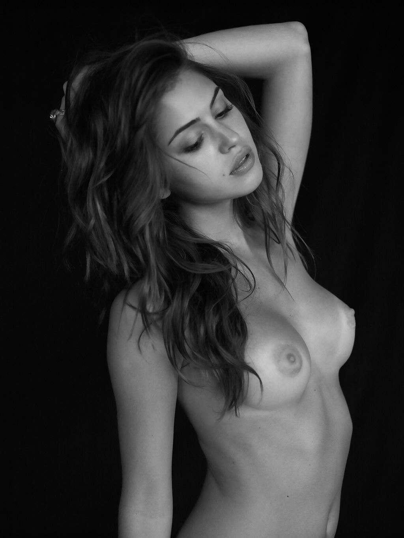 Фото в стиле ню грудь